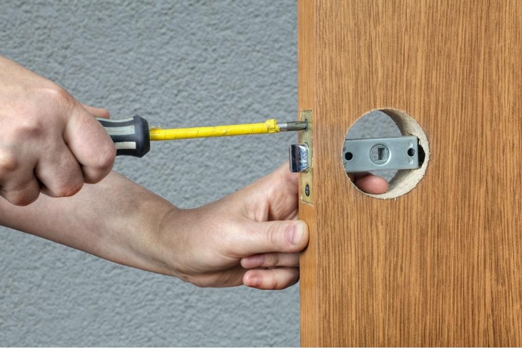 commercial lock installation